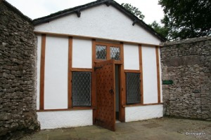 recently renovated 17th Century smoker's retreat