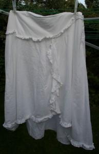 ugly white skirt