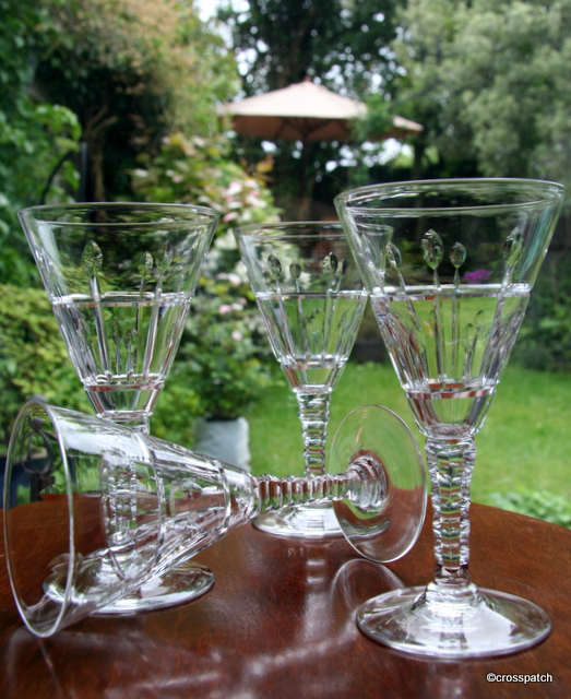 4 crystal glasses